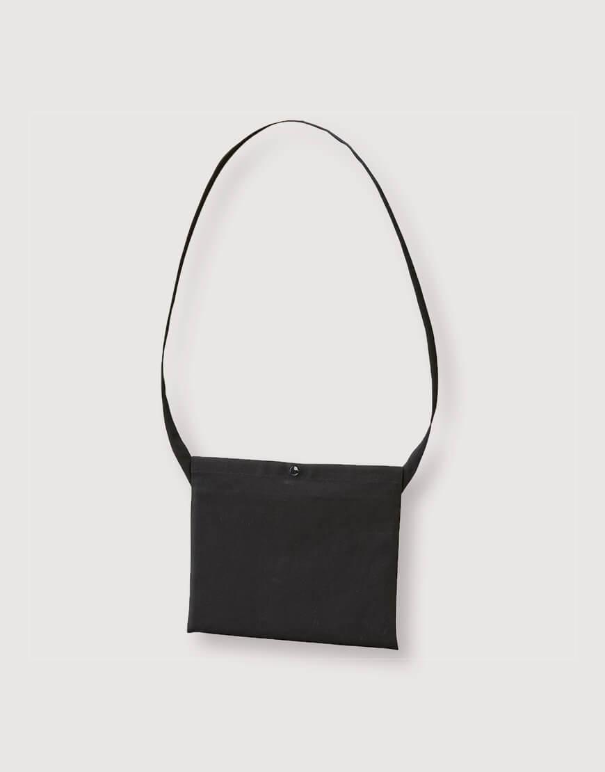 日系斜背小包 橫式加釦 黑色
