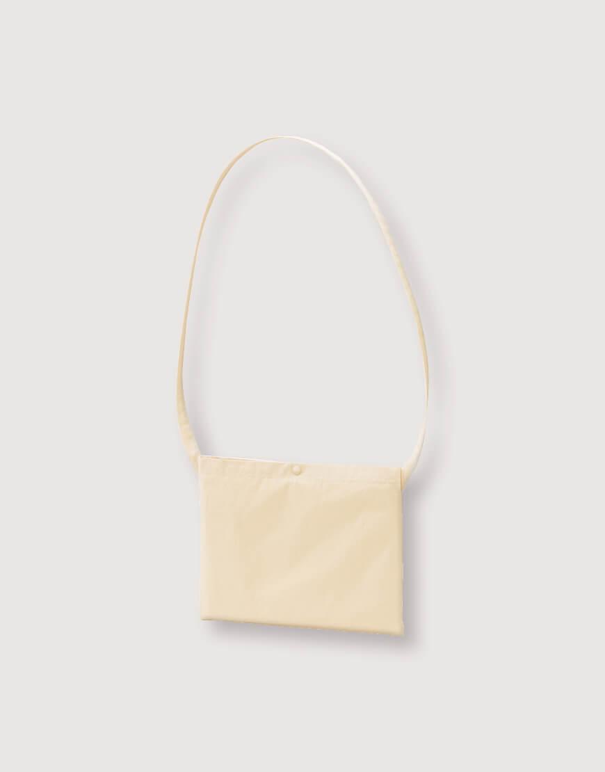 日系斜背小包 橫式加釦 米色