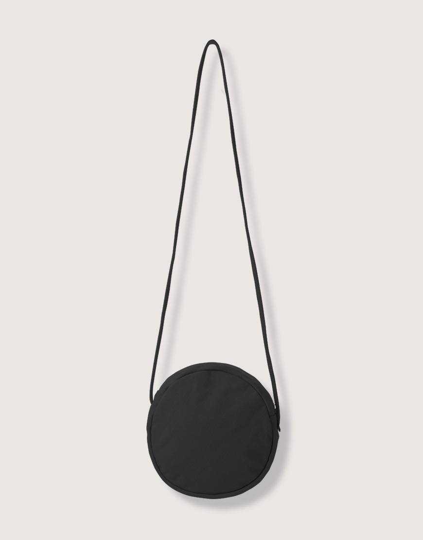 圓形厚帆斜背小包 - 黑