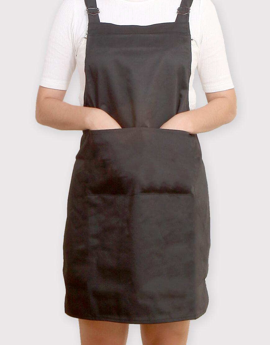 I 缺貨 I 混棉布背帶式雙扣可調二口袋圍裙 - 黑色