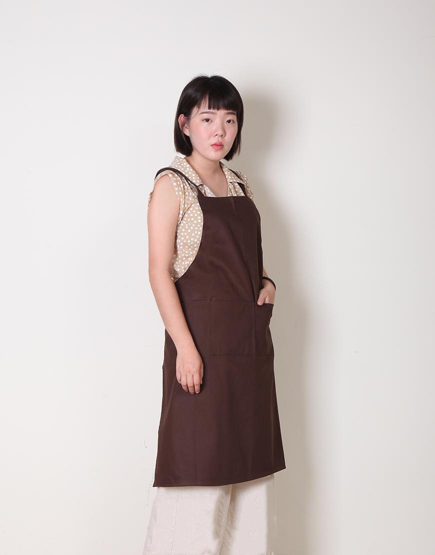 純棉雙口袋背帶式圍裙 - 咖啡色
